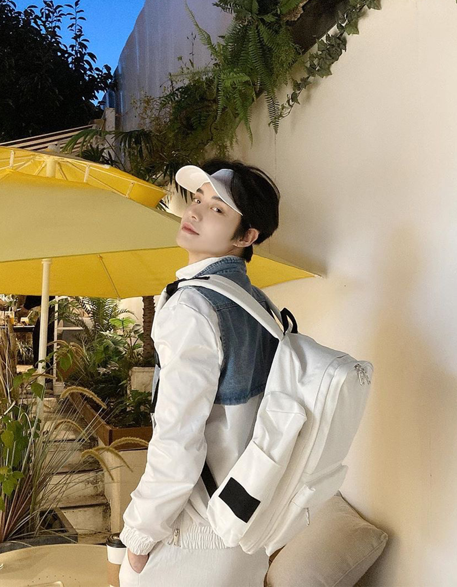 JIWOONG | THE BLANK BACKPACK